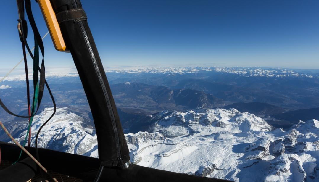 Am Horizont ziehen dei Dolomiten vorbei